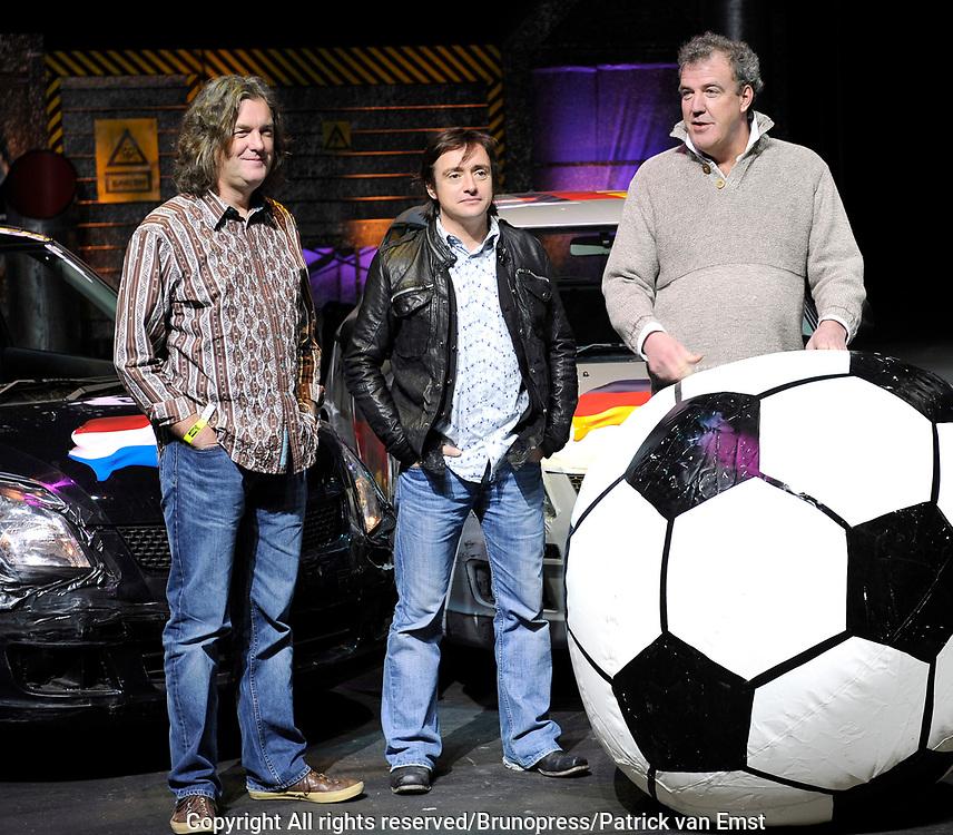 Top Gear Live World Tour in de RAI .<br /> <br /> op de foto:<br /> <br />  De presentatoren van Top Gear  Jeremy Clarkson , Richard Hammond , James May