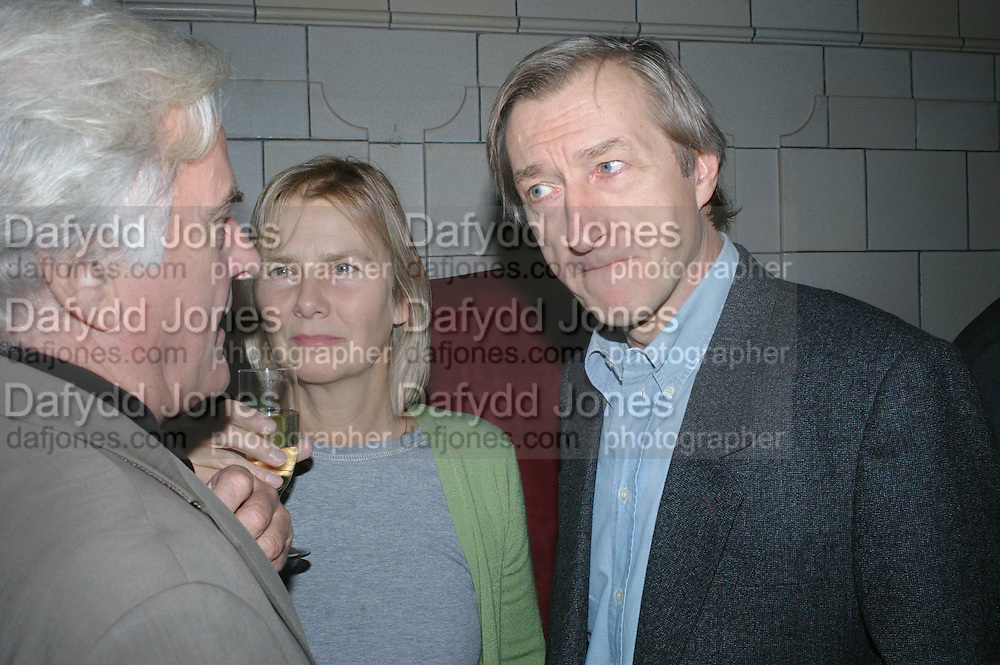 RICHARD EYRE, PHILLIPA WALKER AND JULIAN BARNES, Book launch for 'the Anti-social Behaviour of Horace Rumpole' by John Mortimer and 'A Voyage Round John Mortimer' by Valerie Grove. -DO NOT ARCHIVE-© Copyright Photograph by Dafydd Jones. 248 Clapham Rd. London SW9 0PZ. Tel 0207 820 0771. www.dafjones.com.