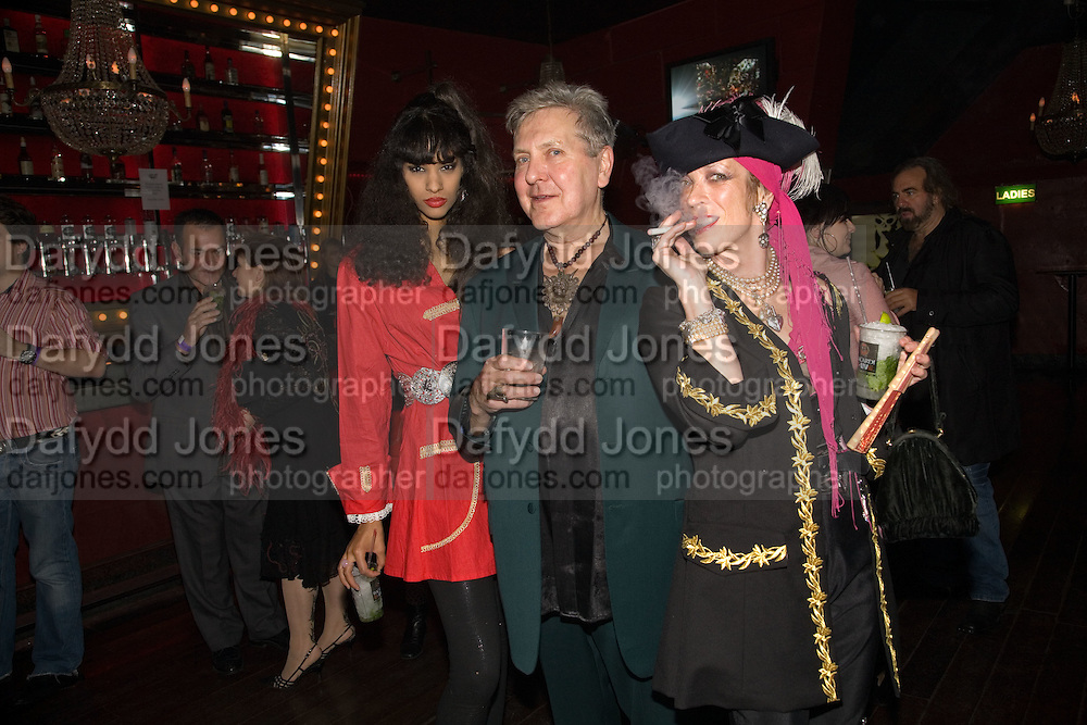 JOY VIELA; TERRY DE HAVILLAND; LIZ DE HAVILLAND, The Pirate Provocateur Extravaganza launch party for the new Agent Provocateur Winter collection and for the release of Dirty Stop Out's new album 'Cuntro Classics' at KOKO. Campden. London. 13 November 2008 *** Local Caption *** -DO NOT ARCHIVE-© Copyright Photograph by Dafydd Jones. 248 Clapham Rd. London SW9 0PZ. Tel 0207 820 0771. www.dafjones.com.