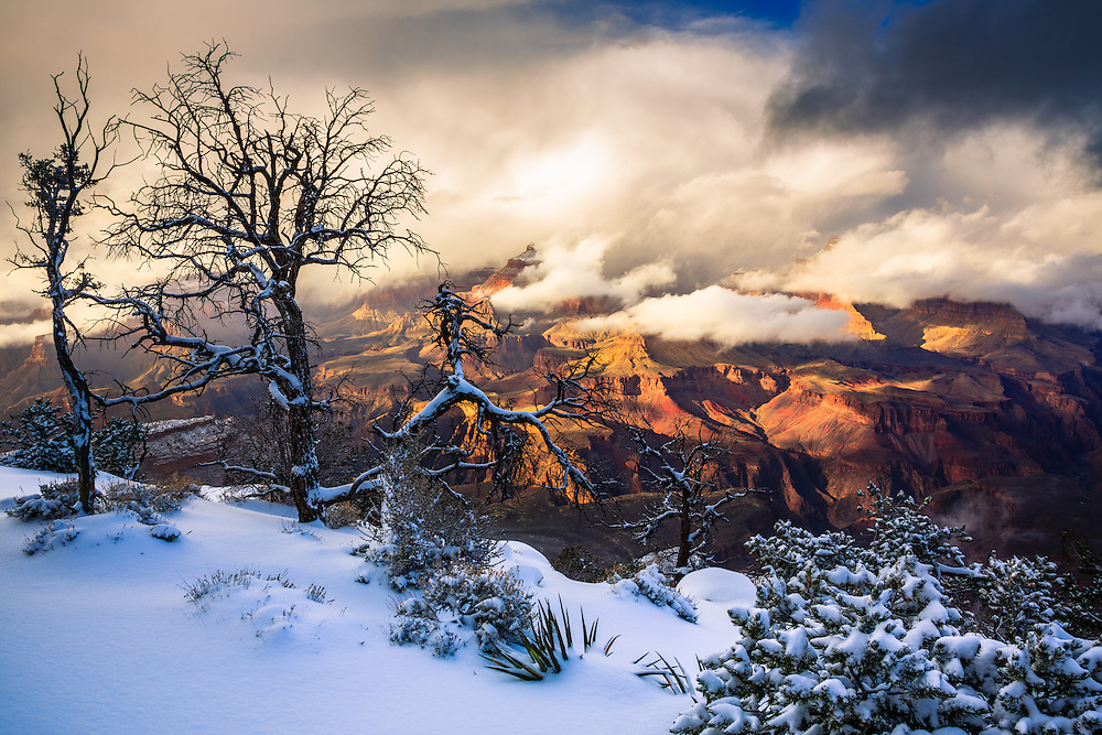Looking out across a wintery Grand Canyon from the South Rim near Grandeur Point.