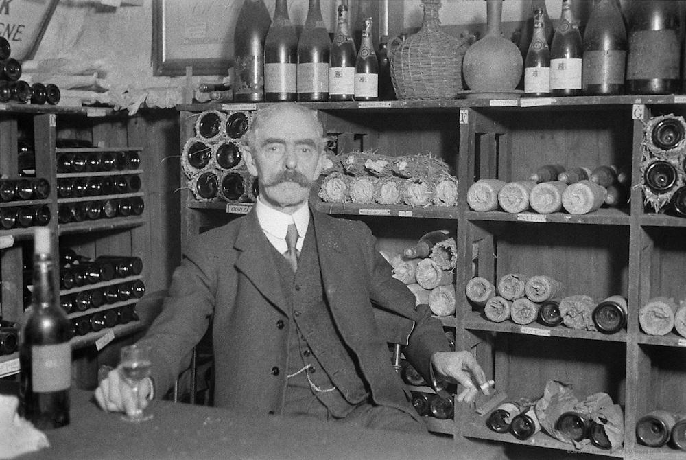 Norton and Langridge, Wine Vaults, London, 1936