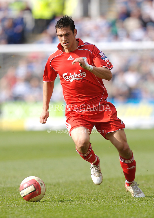 Reading, England - Saturday, April 7, 2007: Liverpool's Mark Gonzalez in action against Reading during the Premier League match at the Madejski Stadium. (Pic by David Rawcliffe/Propaganda)