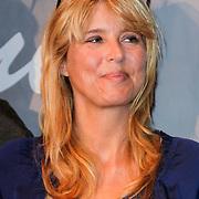 """NLD/Volendam/20120809 - CD presentatie en Gouden Plaaat Jan Smit """" Vrienden"""", Alice Buys"""
