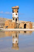 """24/04/2009 Brindisi Diga di Punta Riso in primo piano il """"Vecchio Faro"""" riflesso nell'acqua sullo sfondo la Diga"""