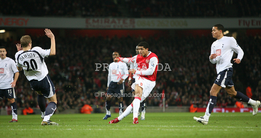 LONDON, ENGLAND - Wednesday, January 31, 2007: Arsenal's Jeremie Aliadiere in action against Tottenham Hotspur during the Football League Cup Semi-Final 2nd Leg at the Emirates Stadium. (Pic by Chris Ratcliffe/Propaganda)