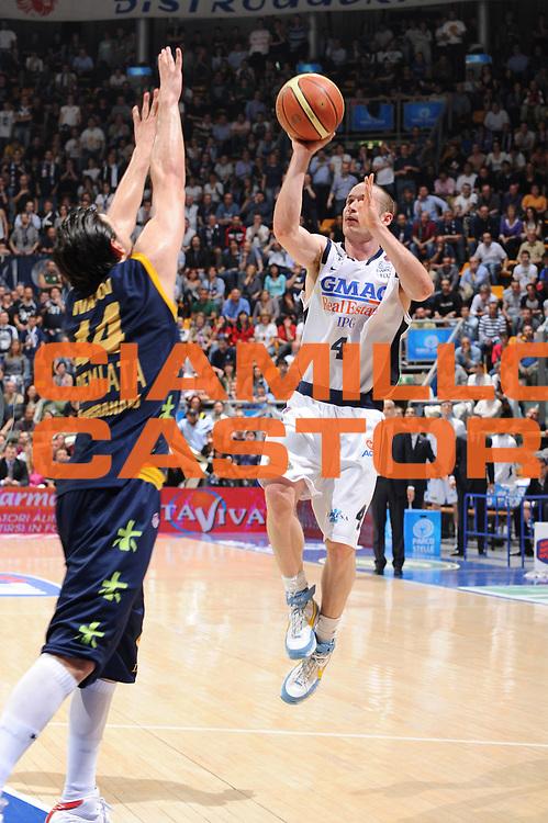 DESCRIZIONE : Bologna Lega A 2008-09 GMAC Fortitudo Bologna Premiata Montegranaro<br /> GIOCATORE : Marcelo Huertas<br /> SQUADRA : GMAC Fortitudo Bologna <br /> EVENTO : Campionato Lega A 2008-2009<br /> GARA : GMAC Fortitudo Bologna Premiata Montegranaro<br /> DATA : 15/04/2009<br /> CATEGORIA : tiro<br /> SPORT : Pallacanestro<br /> AUTORE : Agenzia Ciamillo-Castoria/M.Marchi