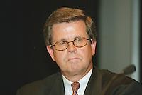 """09.061998, Germany/Bonn:<br /> Dr. Bernd Gottschalk, Präsident Verband der Automobilindustrie e.V., Hearing """"Nachhaltige Entwicklung"""", BDI Jahrestagung, Beethovenhalle<br /> IMAGE: 19980609-03/01-20"""