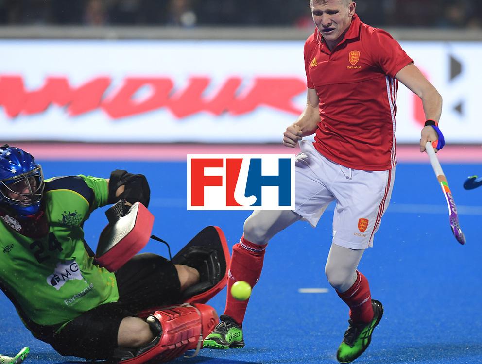 Odisha Men's Hockey World League Final Bhubaneswar 2017<br /> Match id:09<br /> Australia v England<br /> Foto: Sam Ward (Eng)  and keeper Tyler Lovell (Aus) <br /> WORLDSPORTPICS COPYRIGHT FRANK UIJLENBROEK