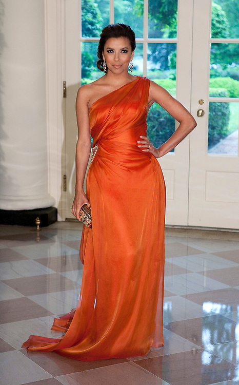 Actress Eva Longoria arrives for the State Dinner hosted by US President Barack Obama and first lady Michelle Obama for the President of Mexico Felipe Calderon and his wife Margarita Zavala at the White House in Washington on May 19, 2010.       REUTERS/Joshua Roberts    (UNITED STATES)