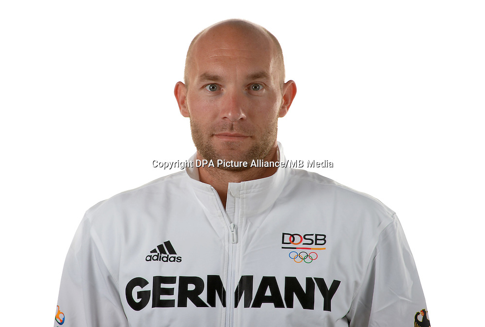 Ronald Rauhe poses at a photocall during the preparations for the Olympic Games in Rio at the Emmich Cambrai Barracks in Hanover, Germany. July 04, 2016. Photo credit: Frank May/ picture alliance. | usage worldwide