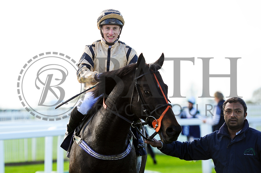 Doc Sportello ridden by Tom Marquand and trained by A W Carroll - Ryan Hiscott/JMP - 16/10/2019 - PR - Bath Racecourse - Bath, England - Race Meeting at Bath Racecourse