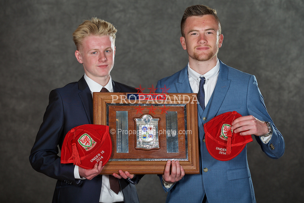 NEWPORT, WALES - Saturday, May 30, 2015: Wales' Ben Williams and Scott Coughlan with the Victory Shield at the Celtic Manor Resort. (Pic by David Rawcliffe/Propaganda)