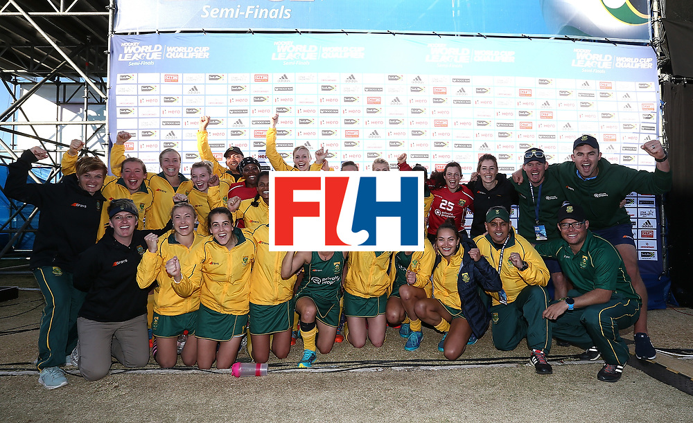 JOHANNESBURG, SOUTH AFRICA - JULY 20:  South Africa players celebrate after victory during the 5th/ 8th place play-off match between South Africa and Ireland at Wits University on July 20, 2017 in Johannesburg, South Africa.  (Photo by Jan Kruger/Getty Images for FIH)
