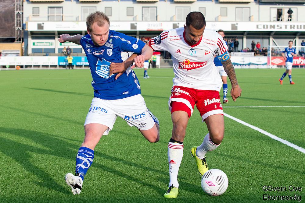 1. divisjon fotball 2015: Hødd - Fredrikstad. Hødds Magnus Waade Myklebust (t.v.) og Netan Nico Sansara i førstedivisjonskampen mellom Hødd og Fredrikstad på Høddvoll.
