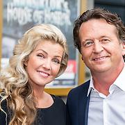 NLD/Amsterdam/20170823 - Premiere Grootste Zwanenmeer ter wereld, Brigit Nijman en partner Robert Veuger