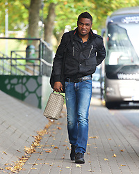 27.10.2014, Trainingscenter, Bremen, GER, 1. FBL, SV Werder Bremen, Training, im Bild Cedrick Makiadi (SV Werder Bremen #6) auf dem Weg vom Parkplatz zur Kabine // during a Trainingssession of German Bundesliga Club SV Werder Bremen at the Trainingscenter in Bremen, Germany on 2014/10/27. EXPA Pictures © 2014, PhotoCredit: EXPA/ Andreas Gumz<br /> <br /> *****ATTENTION - OUT of GER*****
