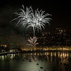 Fuegos Artificiales colección lanzada por Pirotecnia Pyrovision (Austria) en el concurso Internacional de fuegos Artificiales de Donostia-San Sebastian 12 de agosto del 2014