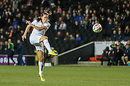 Jill Scott of England Women shoots early on during the International Friendly match at stadium:mk, Milton Keynes<br /> Picture by David Horn/Focus Images Ltd +44 7545 970036<br /> 13/02/2015