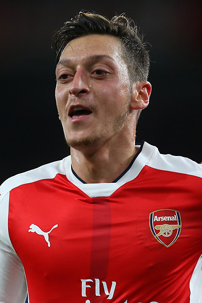ST ALBANS, ENGLAND - APRIL 20:  Mesut Ozil of Arsenal during a training session at London Colney on April 20, 2016 in St Albans, England.  (Photo by Stuart MacFarlane/Arsenal FC via Getty Images)