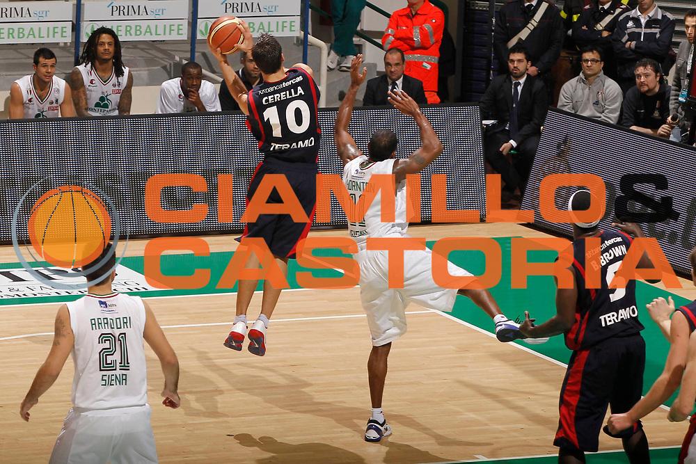 DESCRIZIONE : Siena Lega A 2011-12 Montepaschi Siena Banca Tercas Teramo<br /> GIOCATORE : Bruno Cerella<br /> CATEGORIA : rimbalzo<br /> SQUADRA : Banca Tercas Teramo<br /> EVENTO : Campionato Lega A 2011-2012<br /> GARA : Montepaschi Siena Banca Tercas Teramo<br /> DATA : 22/01/2012<br /> SPORT : Pallacanestro<br /> AUTORE : Agenzia Ciamillo-Castoria/P.Lazzeroni<br /> Galleria : Lega Basket A 2011-2012<br /> Fotonotizia : Siena Lega A 2011-12 Montepaschi Siena Banca Tercas Teramo<br /> Predefinita :