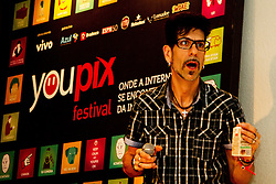 Mr. Pi agita o SongPop no Youpix Poa 2012, que acontece na ESPM, em Porto Alegre. FOTO: Emmanuel Denaui/Preview.com