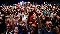 Público no show do Bidê ou Balde no palco pretinho do Planeta Atlântida 2015, que acontece nos dias 30 e 31 de Janeiro de 2015, na Saba, em Atlântida. FOTO: Vinicius Costa/ Agência Preview