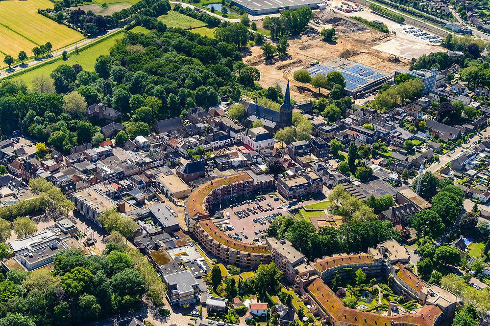 Nederland, Gelderland, Gemeente Zevenaar, 29-05-2019; centrum van Zevenaar, Masiusplein, H. Andreas kerk. <br /> City centre Zevenaar.<br /> luchtfoto (toeslag op standard tarieven);<br /> aerial photo (additional fee required);<br /> copyright foto/photo Siebe Swart