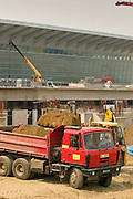 05.05.2006 Warsaw. Construction of terminal 2 on F. Chopin Airport. Fot. Piotr Gesicki.