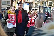 Nederland, Nijmegen, 28-2-2015Medewerkers van thuiszorgorganisatie Verian protesteren samen met SP en FNV in het centrum van de stad tegen het voornemen hun salaris met 25% te korten, verlagen. SP fractieleider Emiel Roemer steunde de actievorders in het kader van de verkiezingscampagne voor de verkiezingen van de provinciale staten. Veel zorghulpen voelen zich onder druk gezet op straffe van ontslag.FOTO: FLIP FRANSSEN/ HOLLANDSE HOOGTE