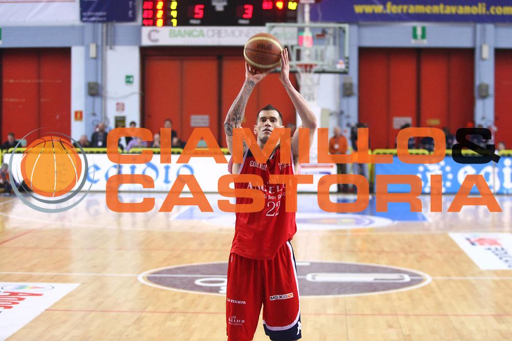 DESCRIZIONE : Cremona Lega A 2010-2011 Vanoli Braga Cremona Angelico Biella<br />GIOCATORE : Marc Salyers<br />SQUADRA : Angelico Biella<br />EVENTO : Campionato Lega A 2010-2011<br />GARA : Vanoli Braga Cremona Angelico Biella<br />DATA : 27/02/2011<br />CATEGORIA : Tiro<br />SPORT : Pallacanestro<br />AUTORE : Agenzia Ciamillo-Castoria/F.Zovadelli<br />GALLERIA : Lega Basket A 2010-2011<br />FOTONOTIZIA : Cremona Campionato Italiano Lega A 2010-11 Vanoli Braga Cremona Angelico Biella<br />PREDEFINITA :