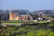 Nederland, Ubbergen, 22-10-2013 Doorkijkje vanaf de stuwwal bij Nijmegen naar het kleinste dorp van Nederland, Persingen in de Ooijpolder. Foto: Flip Franssen/Hollandse Hoogte