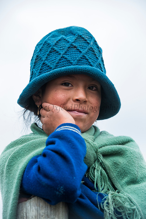 Quichua Indian girl<br /> Calpi animal market<br /> Parish of Riobamba, Chimborazo Province<br /> Andes<br /> ECUADOR, South America