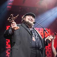 Award Week Performances
