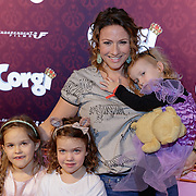 NLD/Amsterdam/20190210- première Corgi,Jessica Mendels en kinderen Ilse, Eva Keesje