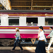 Passengers walking on platform at Hua Lamphong railway station