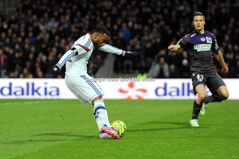 But Alexandre LACAZETTE - 11.01.2015 - Lyon / Toulouse - 20eme journee de Ligue 1<br />Photo : Jean Paul Thomas / Icon Sport