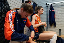 10–01-2020 NED: Olympic qualification tournament women Netherlands - Poland, Apeldoorn<br /> The Dutch volleyball players lost the third group match of the OKT in Apeldoorn 3-1 against Poland / Anne Buijs #11 of Netherlands, Floortje Meijners #8 of Netherlands