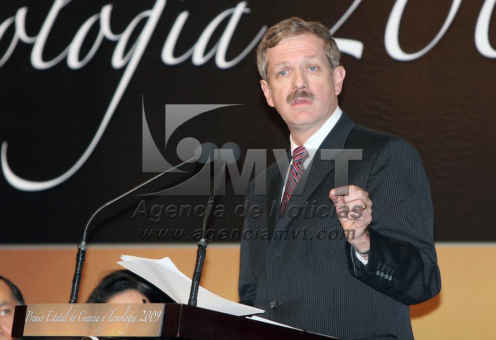 TOLUCA, México.- Juan Carlos Romero Hicks, Director General del Consejo Nacional de Ciencia y Tecnología (CONACYT), en la entrega del premio estatal de Ciencia y Tecnología 2009. Agencia MVT / José Hernández. (DIGITAL)