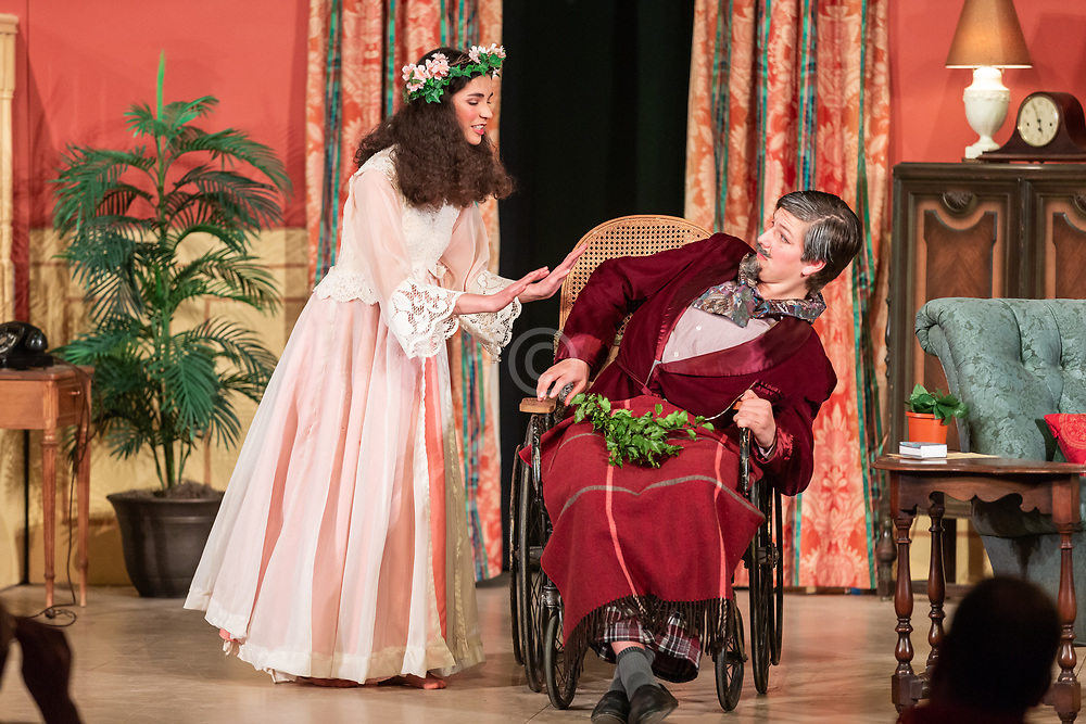 10th grade play <br /> The Man Who Came To Dinner