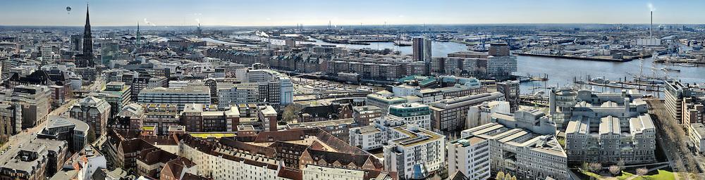 Blick Richtung Ostwest von der Kirche St. Michaelis in Hamburg