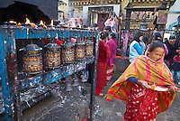 Nepal. Vallee de Katmandou. Temple bouddhiste de Adinath Lokeshwar a Chobar. Moulin a priere. // Nepal. Kathmandu valley. Bouddhist temple of Adinath Lokeshwar at Chobar. Prayer wheels.