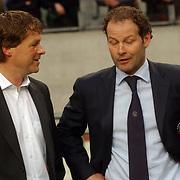 NLD/Amsterdam/20060420 - Ajax - Feyenoord, eredivisie playoffs, coach Erwin Koeman in gesprek met Danny Blind