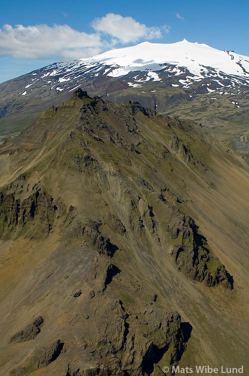 Stapafell og Snæfellsjökull séð til norðvesturs, Snæfellsbæar áður Breiðuvíkurhreppur / Stapafell and Snaefellsjokull viewing northwest. Snaefellsbaer former Breiduvikurhreppur.