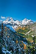 Lake Ann, Corteo Peak and Black Peak from Lake Ann - Maple Pass - Heather Pass Loop Trail, Okanogan-Wenatchee National Forest, Cascade Mountains, Washington.