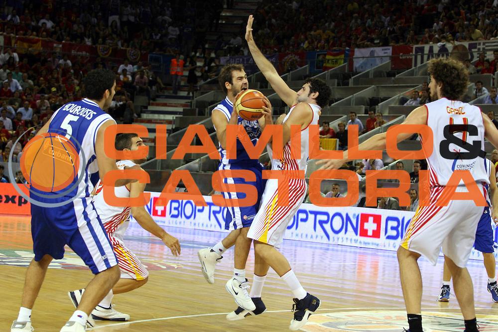 DESCRIZIONE : Madrid Spagna Spain Eurobasket Men 2007 Spagna Grecia Spain Greece<br />GIOCATORE : Vasileios Spanoulis<br />SQUADRA : Grecia Greece<br />EVENTO : Eurobasket Men 2007 Campionati Europei Uomini 2007 <br />GARA : Spagna Grecia Spain Greece<br />DATA : 07/09/2007 <br />CATEGORIA : Tiro Sponsor Zepter<br />SPORT : Pallacanestro <br />AUTORE : Ciamillo&amp;Castoria/G.Ciamillo <br />Galleria : Eurobasket Men 2007 <br />Fotonotizia : Madrid Spagna Spain Eurobasket Men 2007 Spagna Grecia Spain Greece<br />Predefinita :