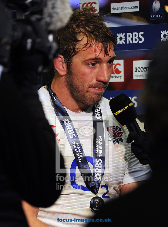 Picture by Seb Daly/Focus Images Ltd +447738 614630.23/02/2013.Chris Robshaw of England Rugby Union during the RBS 6 Nations match at Twickenham Stadium, Twickenham.