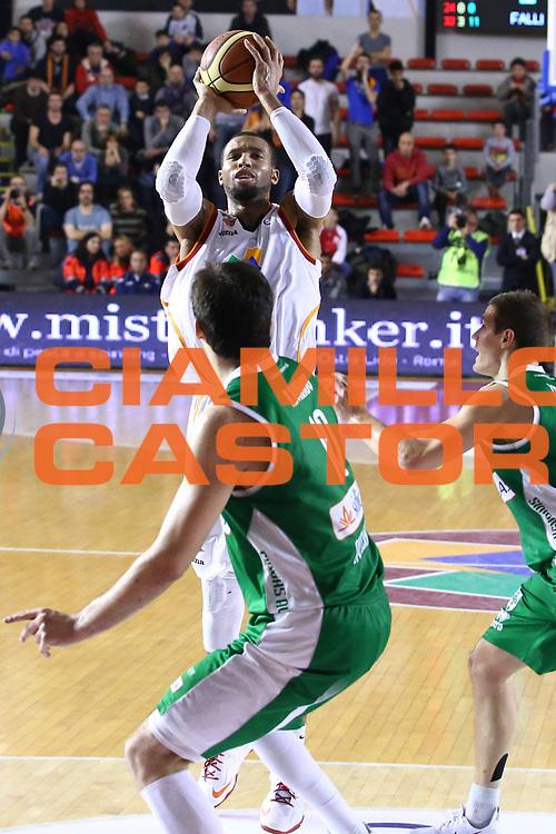 DESCRIZIONE : Roma Lega A 2013-2014 Acea Roma Sidigas Avellino<br /> GIOCATORE : Quinton Hosley<br /> CATEGORIA : tiro<br /> SQUADRA : Acea Roma<br /> EVENTO : Campionato Lega A 2013-2014<br /> GARA : Acea Roma Sidigas Avellino<br /> DATA : 02/02/2014<br /> SPORT : Pallacanestro <br /> AUTORE : Agenzia Ciamillo-Castoria/M.Simoni<br /> Galleria : Lega Basket A 2013-2014  <br /> Fotonotizia : Roma Lega A 2013-2014 Acea Roma Sidigas Avellino<br /> Predefinita :
