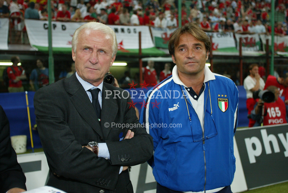 MILAN, ITALY - Saturday, September 6, 2003: Italy's coach Giovanni Trapattoni and physio during the Euro 2004 qualifying match at the San Siro Stadium. (Pic by David Rawcliffe/Propaganda)