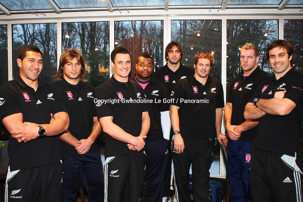 Rugby : Conference Presse Adidas - Rencontre All Blacks et Stade Francais - 01.12.2010 - Mils Muliaina / Dimitri Szarzweski / Dan Carter / Mathieu Bastareaud / Sam Whiteclock / Richie McCaw / James Haskell et Contrad Smith