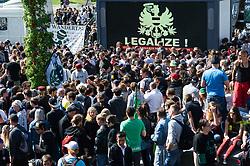 14.05.2016, Gürtel, Wien, AUT, Legaliseriungs Demonstration für Cannabis. im Bild Aktivisten vor LED Wand // during protest action regarding to Cannabis legalisation in Vienna, Austria on 2016/05/14. EXPA Pictures © 2016, PhotoCredit: EXPA/ Michael Gruber